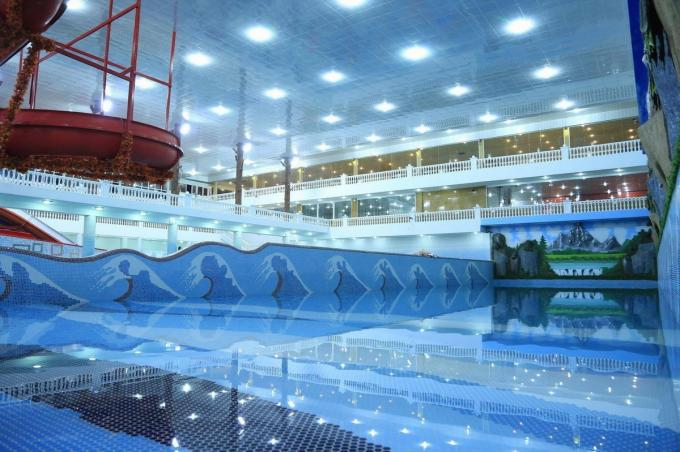 Swimming Pool Alloy Aluminum Railing Profiles Anti Erosion Environment Protection OEM / ODM