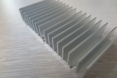 China 6063 High Power Silver Aluminum Extruded Heat Sink , Large Aluminum Heat Sink supplier