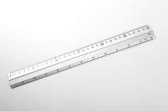 China Silver 30cm Aluminium Extrusion Profiles Alkali Anodized Aluminum Ruler supplier