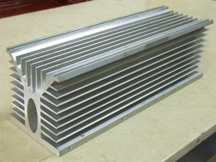 China 6061 Alloy CNC Milling Large Aluminium Extruded Heat Sink 300MM Width supplier