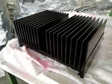 China CNC Machining Extruded Heat Sink Akzo Nobel Powder Painting for Truck Lamp supplier