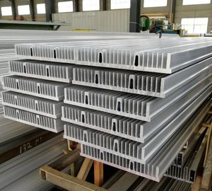 China Customized Big Size Flat 6063 T5 Aluminium Heat Sink Profiles With Clear Anodized distributor
